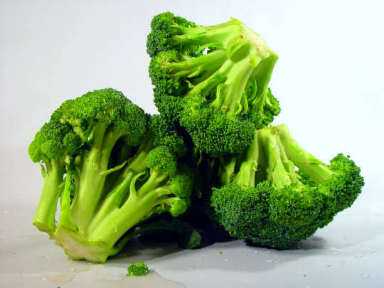 13-foods-to-keep-you-hydrated-broccoli