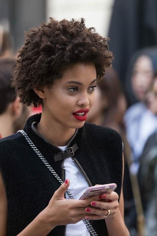 short dark brown afro hair for women