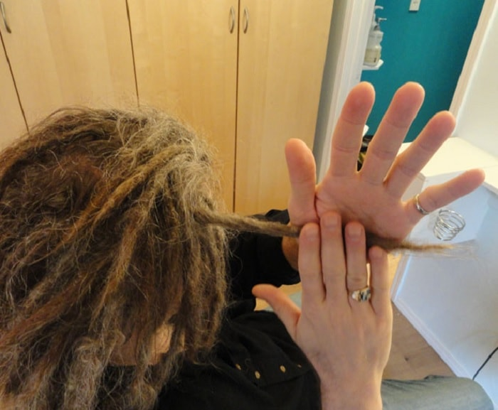 How to Make Loose Dreads Tight at the Roots