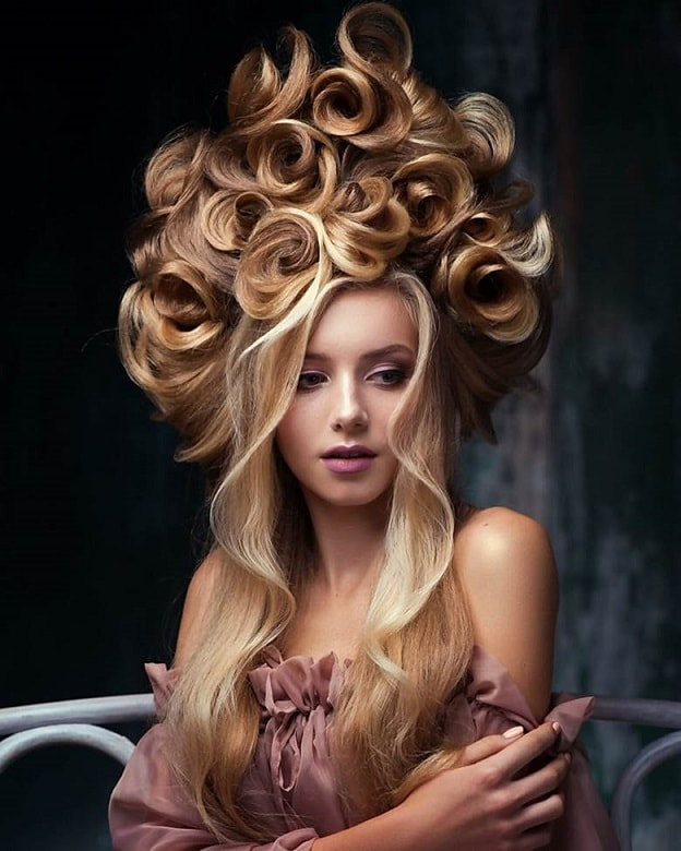 curly fantasy hairstyle for women