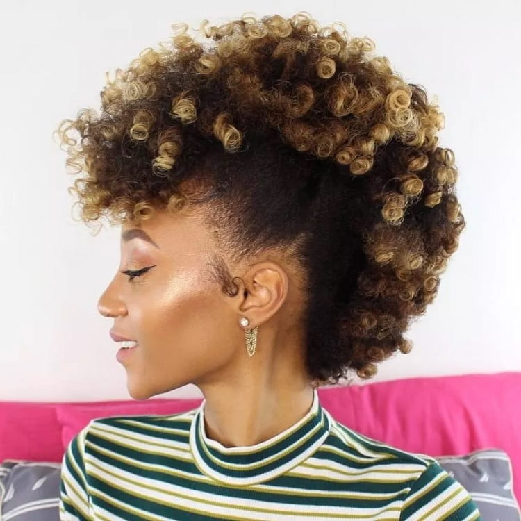 5 Chic Honey Blonde Hairstyles for African American Women ...
