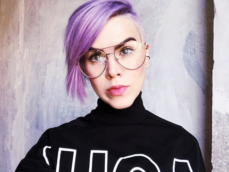 short pastel purple hair with side fringe