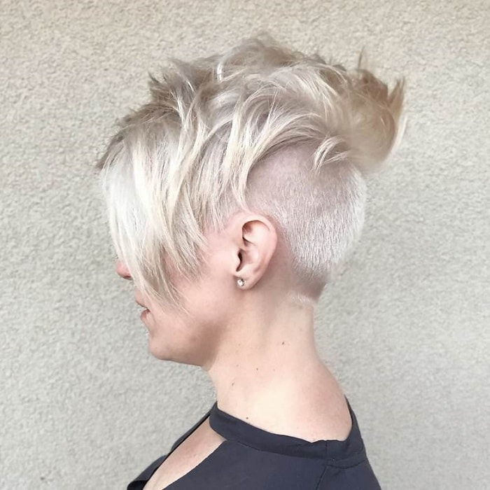 Platinum Textured Pixie with An Undercut
