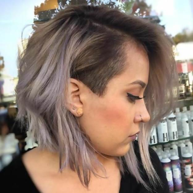girl with short inverted bob